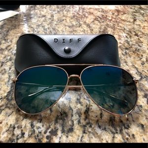 DIFF Nala sunglasses. Brand new!